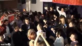 ALEKS MICKA-LIVE-O KURBET TE RENTE ZJARRI-KONCERT NGA A.KONDI&K