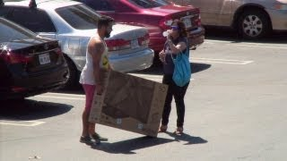 Amy's Undercover Kindness at Best Buy!(She's at it again! Ellen's writer, Amy, is out on the street to see if she can depend on the kindness of strangers. This time she was carting a giant TV from Best Buy ..., 2013-09-09T16:00:30.000Z)