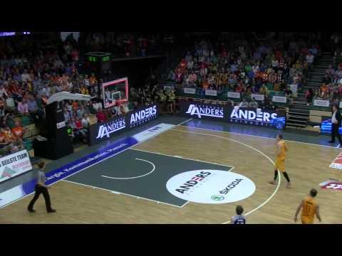 2.-basketball-bundesliga-pro-a-2014/15:-lang-länger-nico-adamczak-(vechta-gegen-heidelberg)