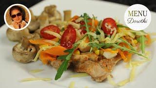 Soczyste i delikatne mięso z kurczaka na parze to doskonały pomysł na szybki obiad. MENU Dorotki.