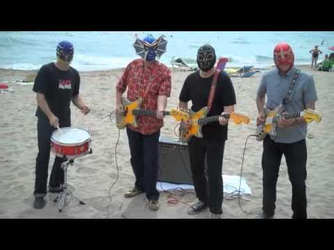 Download Los Straitjackets on the beach in Spain--High Rockabilly Festival 2011!