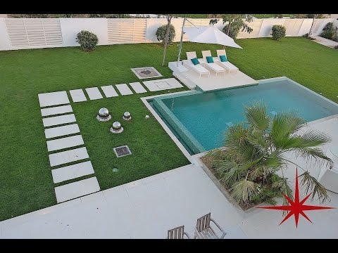 Exclusive, Modern Contemporary 4 Ensuite BR Villa with Private Pool and Garden