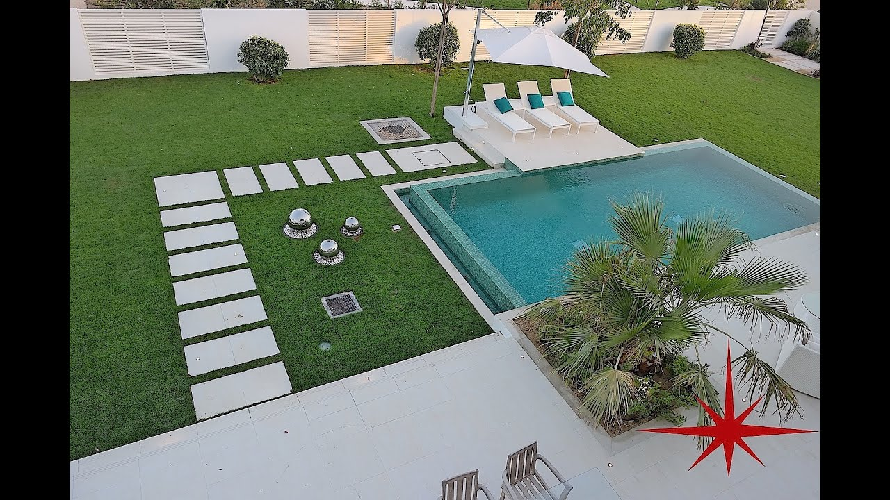 Exclusive modern contemporary 4 ensuite br villa with for Anda garden pool villas
