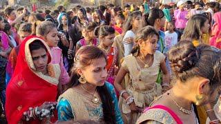 Download lagu Road Par Ghughari Melavi Dav ।। Maro Mal Fashion Walo ।। પારુલ રાઠવા ની ટીમલી 2021 । Parul Rathva ।