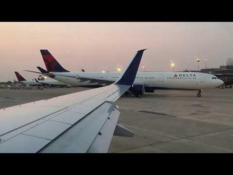 Delta Boeing 737-900ER Minneapolis Airport Takeoff MSP - LAS 9-3-17