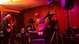 Trindade - Marcelo Paganini live at Vizta