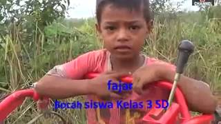 Video : Aksi Bocah Kelas 3 SD, Jago Main Hand Traktor