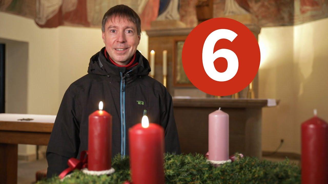 Türchen 06 - Pfarrer Kochinka und der Adventskranz