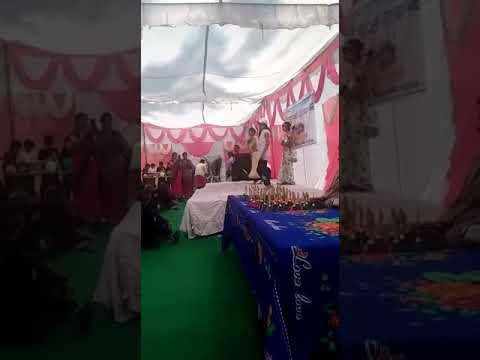Republic Day function in school, little girls dancing on Desh bhakti song jalwa Tera jalwa.