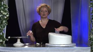 Three-Tier Whimsical Wedding Cake Design : Tools to Cut Wedding Cake for Support Placement