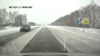 Автобус слетел в кювет на трассе Стерлитамак - Раевка