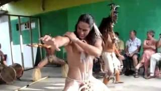 VAENGA TEAO - the best HOKO dancer from Rapa Nui 02 - The precious fragment of his unique hoko
