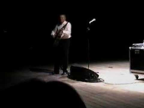 Tommy Emmanuel - The Entertainer