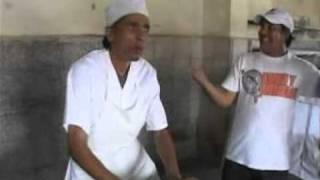 Repeat youtube video COMO SE HACE EL PAN EN CUBA, el pan Fonotumultos