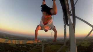 800 Ft Handstand