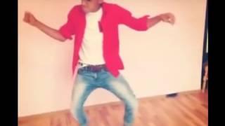 (VIDEO) - Циганин танцува като за последно! - Какво мислите???