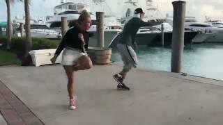 Настя Ивлеева танцует.