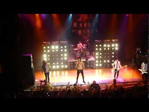 Falling In Reverse - The Drug In Me is You [Live in Chicago, Illinois 10/22/12]