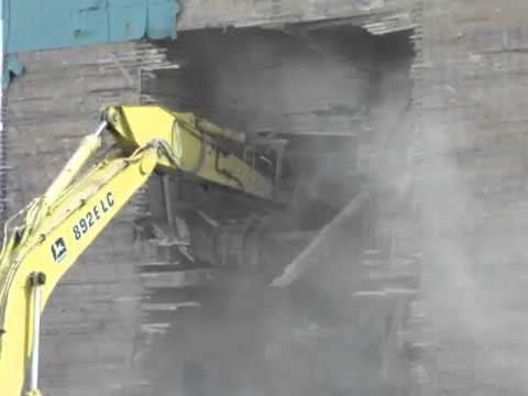 Mundare Alberta Wheat Pool Elevator Demo Part 8: Ripping out the inside