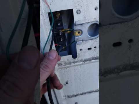 220 outlet hook up