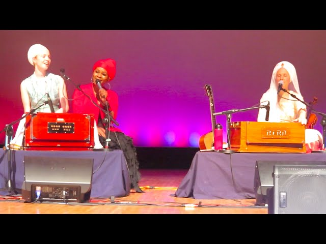 ♡Snatam Kaur, Ajeet Kaur, C.C. White - Soul Kirtan! singing (Hallelujah!) ♡ Sacred Arts Ctr D.C.