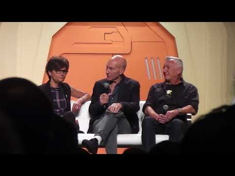 Patrick Stewart and the Inner Light panel at the 2017 Star Trek Convention