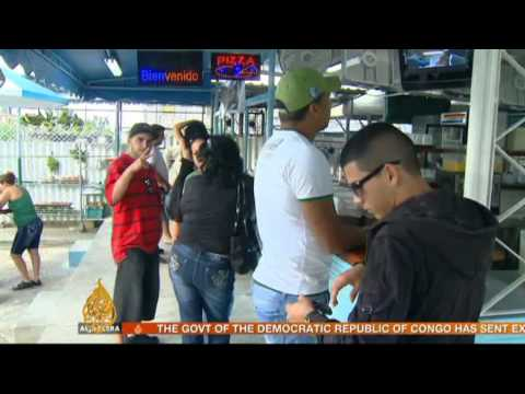 Dual-currency policy divides Cubans