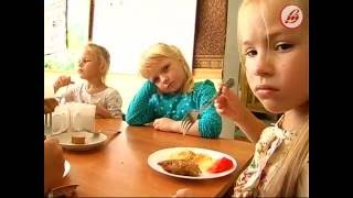 видео Правила етикету і норми поведінки за столом