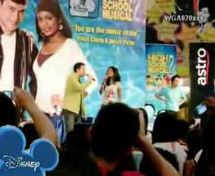 High School Musical 2 at 1 Utama (Bahasa Malaysia) - YouTube 9b2a29da30