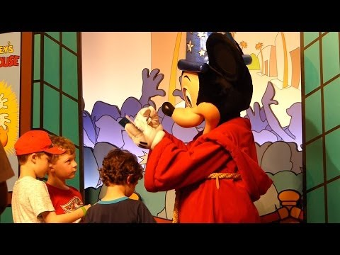 Mickey Mouse At Disney World's Hollywood Studios In Orlando