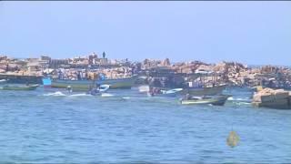 قوات الاحتلال تعتدي على صيادين ومزارعين فلسطينيين