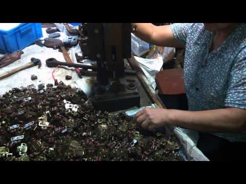 China Import, China Quality Control: Furniture Catches and Latches / Production 3