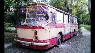 Парень оживил груду металлолома снова в автобус