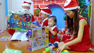 Kids opening Christmas gift box 2019 | Learn colors | Playing | Xavi ABCKids