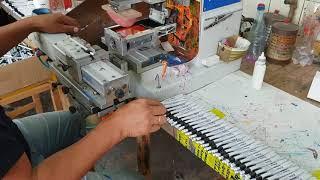 Печать логотипа на ручках тампопечатью