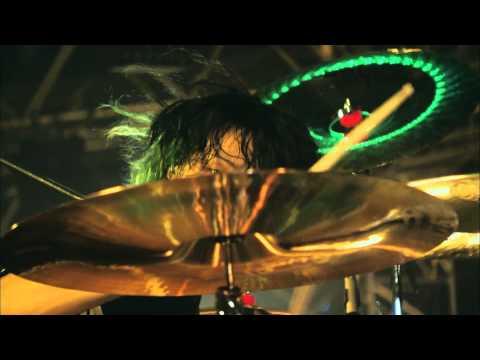 "【HD】ONE OK ROCK - Living Dolls  ""Mighty Long Fall at Yokohama Stadium"" LIVE"