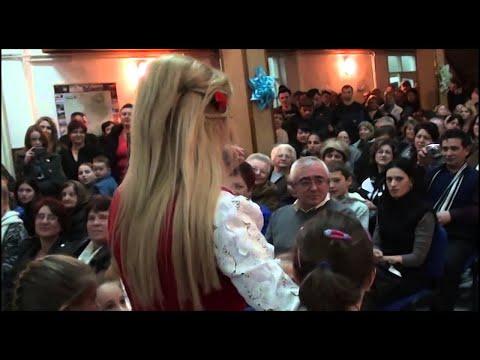 Lorenna-spectacol LUNCA BRADULUI paduricea (pt evenimente:0728.222.533)