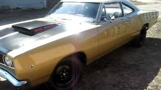 1968 Coronet Idling with Flowmasters