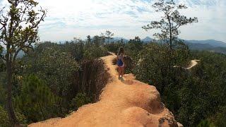 В Пае, много видов HD. Фоновое видео 1(Мотопроезд по деревне Пай на севере Таиланда. Красивые места. Неспешное видео из путешествия, хороший бэкгр..., 2016-07-19T13:14:14.000Z)