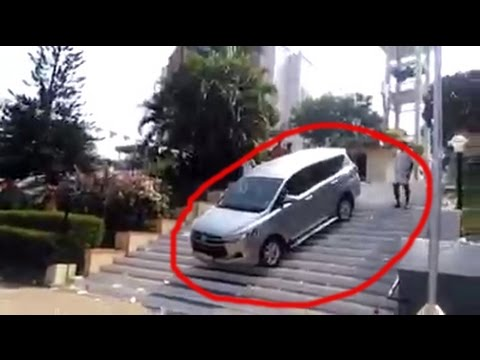 Toyota Innova Crysta tries to become a Fortuner Fail