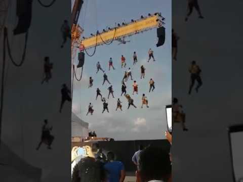 Resultado de imagem para orquestra pendurada no carnaval do Recife