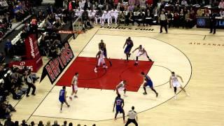 Gambar cover Jeremy Lin Drives vs Toronto Raptors Feb 14 2012