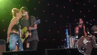 Grizzlee Train 2016-03-27 Rattlin' Bones with Kasey Chambers at Byron Bay Bluesfest