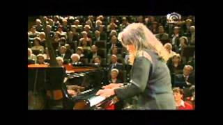 Robert Schumann  Klavierkonzert a-Moll op. 54   Riccardo Chailly - Martha Argerich