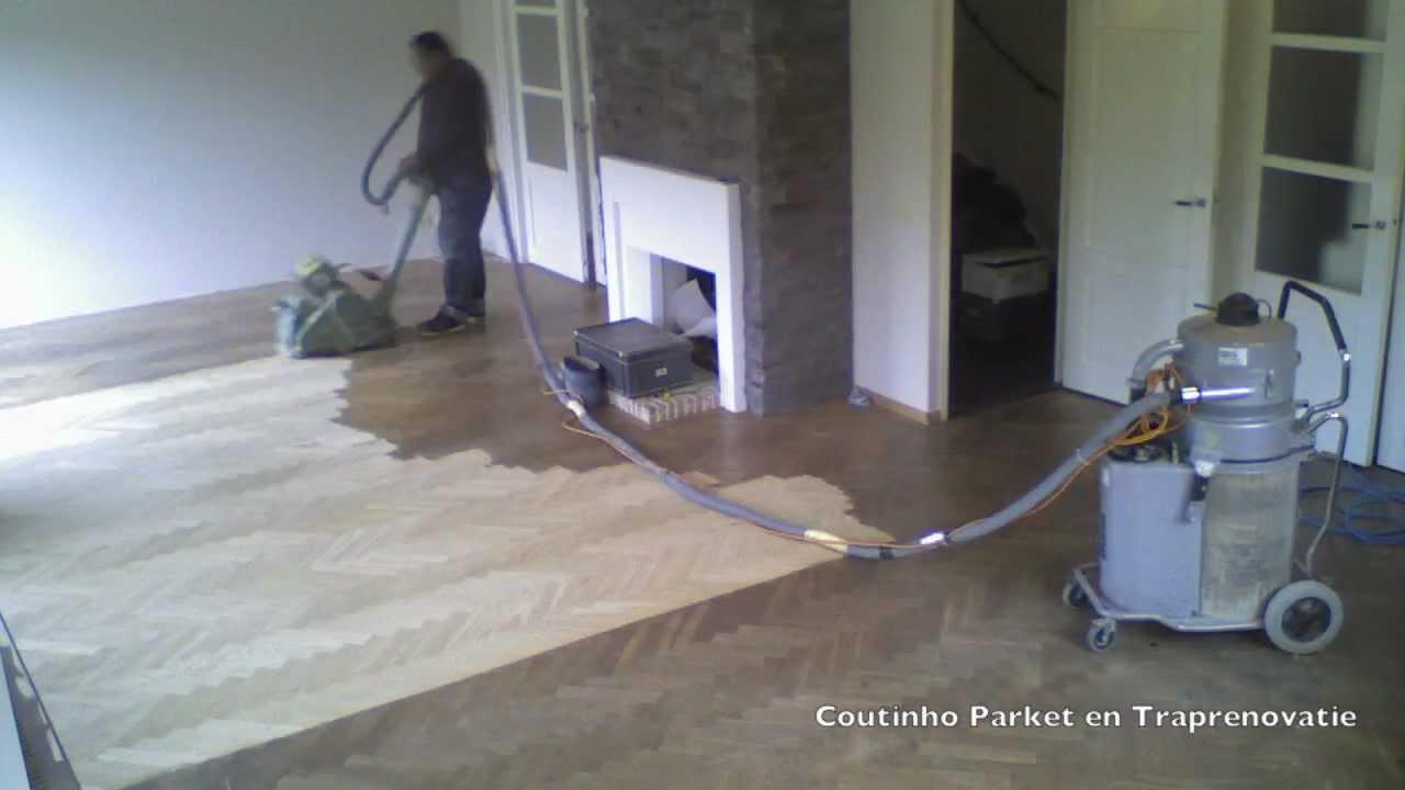 Schuren eiken visgraat skylt titanium www.parketvloerschuren.com