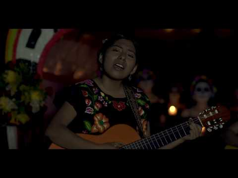 Dueto Dos Rosas - La Llorona (Video Oficial)