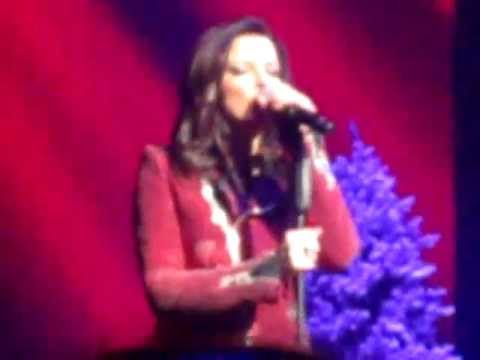 Martina McBride - Please Come Home For Christmas (Green Bay)