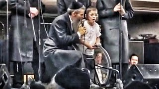 Avraham Fried gets destroyed by a kid in a wheelchair