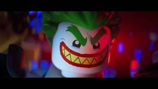 LEGO BATMAN IL FILM - Io vengo sempre a lavorare con un bel sorriso - Clip dal film