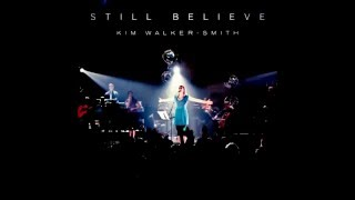 The King is Here - Jesus Culture (Subtitle in English, Spanish and Portuguese)